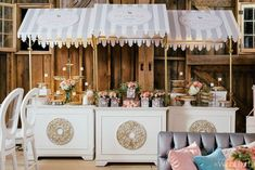 An Ontario wedding with stunning floral designs for a rustic barn reception. Take a look at the gorgeous details shared by Mango Studios Sweet Carts, Mod Wedding, Wedding Tips, Summer Wedding, Dream Wedding, Wedding Reception Food, Flower Cart, Paris Party, Rustic Barn