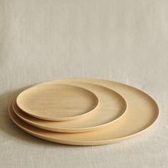 Cara Wood Plate: but in ceramic