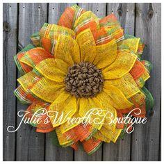 Dollar Tree Frame Sunflower Tutorial - Julie's Wreath Boutique Tutorials - Burlap Easy Burlap Wreath, Sunflower Burlap Wreaths, Burlap Wreath Tutorial, Burlap Flowers, Diy Wreath, Sunflower Tree, Sunflower Crafts, Chevron Burlap Wreaths, Floral Wreaths
