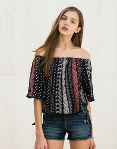 BSK short sleeve pompom blouse - Shirts - Bershka Croatia