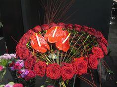 porta-nova-red-naomi-red-rose-bouquet-inspiration-1 on Porta Nova  http://www.portanova.nl/wp-content/gallery/bouquets/porta-nova-red-naomi-red-rose-bouquet-inspiration-1.jpg