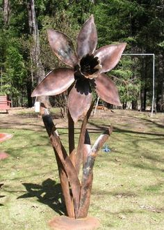 recycled metal rose sculpture: for the garden « HAUTE NATURE