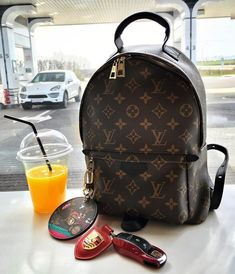 2017 Latest Louis Vuitton Handbags For Styling Tips Pay Western Union Get Discount Buy More Discount More Shop Now! 2017 Latest Louis Vuitton Handbags For Styling Tips Pay Western Union Get Discount Buy More Discount More Shop Now! Chanel Handbags, Fashion Handbags, Purses And Handbags, Fashion Bags, Womens Fashion, Tote Handbags, Fashion Purses, Fashion 2018, Fashion Fashion