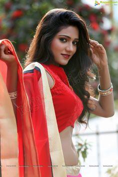 Super exclusive: beautiful short film actress shalu chourasiya stuns in red south indian actress, Beautiful Saree, Beautiful Indian Actress, South Indian Actress, Beautiful Actresses, Beautiful Ladies, Indian Navel, Beauty Shots, Indian Girls, Indian Ethnic