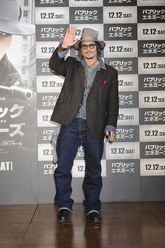 映画「パブリック・エネミーズ」ジョニー・デップが来日 2009