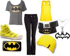 Batman shirt, yellow tank, and black shorts. Perfect for 6 flags!