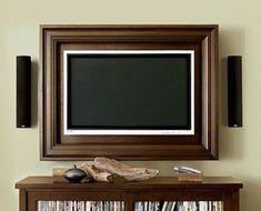 Encadrez la TV avec un cadre d'une couleur similaire à ce qui entoure la TV.
