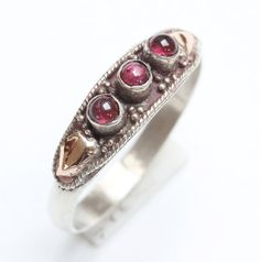 One, Vintage Bali Sterling Silver 925 ladies' ring size UK: P / USA - 7.5 - decorated with 18 K Gold
