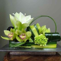 Astounding tropical flower arrangements - have a look at our website for additional good ideas!