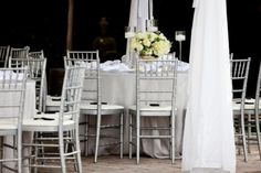 I love chivari chairs.. its true.. they do cost a bit more, but they make a huge difference ♥