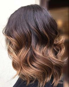 27 Pretty Lob Haircut Ideas You Should Copy in 2017 Wavy Caramel Ombre Lob Haircut for Brunettes Blonde Balayage Highlights, Blonde Ombre Lob, Brunette Lob, Ombre Hair Color, Balayage Hair, Blonde Hair, Ombré Hair Caramel, Balayage Caramel, Caramel Highlights