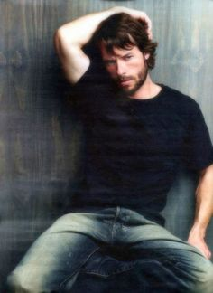 guy pearce in bed - Google Search