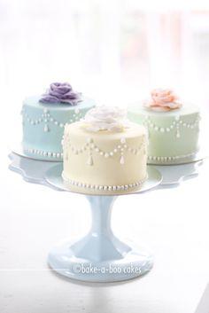 Marie Antoinette Mini Cakes...