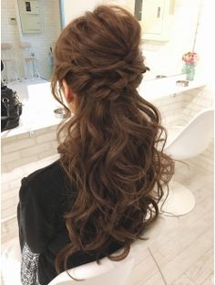 Half up half down Creative Hairstyles, Party Hairstyles, Bride Hairstyles, Bridesmaid Hair, Prom Hair, Bridal Hair Roses, Medium Hair Styles, Curly Hair Styles, Mother Of The Bride Hair