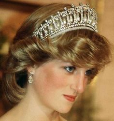 Tiara Mania: Cambridge Lovers Knot Tiara worn by Diana, Princess of Wales