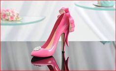 Divas Closet TM Mini Stiletto Shoe FigurineMarilyns Closet 4 Polyresin | eBay