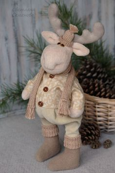 1 million+ Stunning Free Images to Use Anywhere Christmas Crafts For Adults, Christmas Ornaments To Make, Christmas Sewing, Felt Ornaments, Christmas Decorations, Moose Crafts, Santa Crafts, Xmas Crafts, Christmas Moose