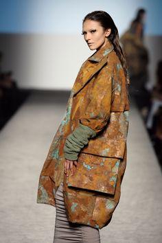 COSMOGONY OF RUST #2 | Outfit created by Domitilla Montuori e Marta Rinaldi, fashion designer former student of Accademia di Costume e di Moda (2012)