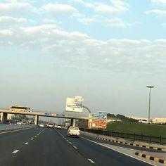 #شبكة_أجواء : #الإمارات : أجواء شارع المطار #الشارقة من الزميل :  @ah707gxr  @g.s.chasers  @alyasatnet