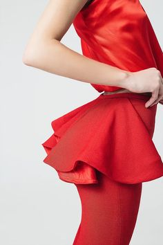 French designer Sakina Shbib launched her first Ready-to-wear 2017 collection. Sakina associates her two strongest signatures: structure and elegance. Hereby is the Lookbook shot by photographer Mokhtar Beyrouth.  Tags: Pret a porter, Sakina Paris, Fashion designer, Arab, craftsmanship, elegantly, allure, Parisian, style, garments, minimalism, French look, French style, French elegance, fashion photography, editorial, fashion editorial, mode, photo de mode, photoshoot, skirt, top, red