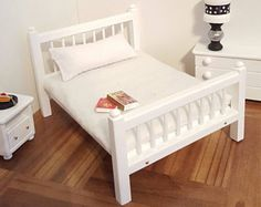 White Queen size 1:12 scale bed/ 1/12 scale doll bed/ 1/12 scale furniture/ 1/12 scale bedroom/ miniature bed/ spindle bed/ dollhouse bed