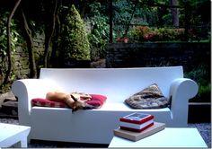Kartell bubble club sofa (http://www.cimmermann.co.uk/product/kartell_bubble_club_sofa/)