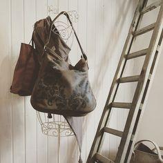 Unsere schönen Handtaschen im neuen Kirchstetter Laden.