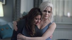 "iZombie -- ""Fifty Shades of Grey Matter"" -- Image Number: -- Pictured (L-R): Aly Michalka as Peyton and Rose McIver as Liv -- Photo: Diyah Pera/The CW -- © 2016 The CW Network, LLC. All rights reserved. Izombie Serie, I Zombie, Rose Mciver, Aly Michalka, Gray Matters, Season Premiere, The Cw, Fifty Shades Of Grey, Season 2"