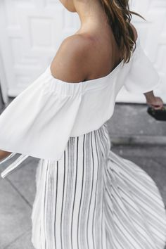 street style, summer, white off shoulder top Look Fashion, Fashion Beauty, Fashion Outfits, Fashion Tips, Looks Style, Style Me, Estilo Navy, Cute Summer Tops, Look Street Style