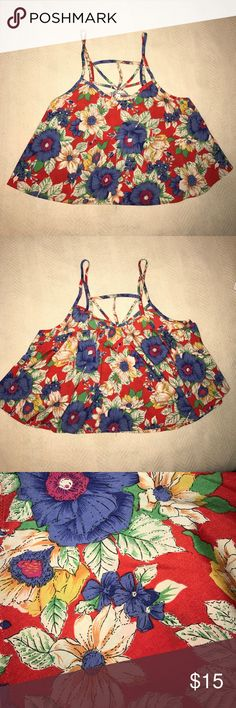 Floral flowy crop top Perfect for music festivals this summer Tops Crop Tops