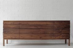 millord Home Goods Decor, Home Decor, Industrial Loft, Mid Century Modern Furniture, Table Legs, Wooden Furniture, Decoration, Credenza, Mid-century Modern