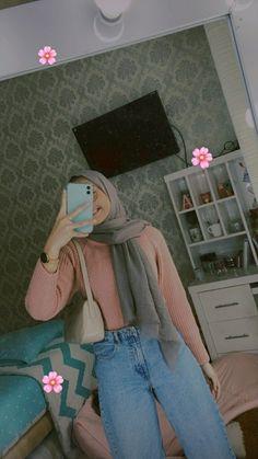 Hijab Fashion Summer, Muslim Fashion, Fashion Outfits, Casual Hijab Outfit, Casual Winter Outfits, Cool Girl Pictures, Hijab Fashion Inspiration, Girl Hijab, Girl Photo Poses