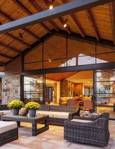 Stocker Hoesterey Montenegro Architects - Luxe Interiors + Design
