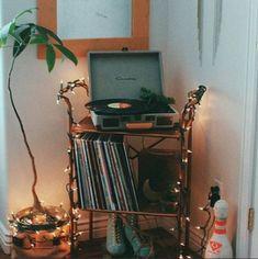 Bedroom Vintage Hipster Record Player 53 Ideas - Hipster Home Decor Bedroom Vintage, Vintage Room, Vintage Decor, Retro Room, Dream Rooms, Dream Bedroom, Room Goals, Boho Living Room, Boho Room