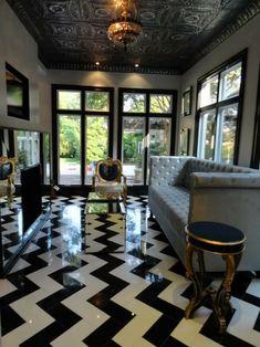 oh my #chevron floor. | repinned by www.BlickeDeeler.de #blackandwhite #interiordesign #homedecor #fabulousfloor