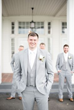 Stunning groom in a grey suit and white tie at this rustic Waldenwoods outdoor summer wedding in Ann Arbor, Michigan by Kari Dawson Photography Best Wedding Suits For Groom, Light Grey Suits Wedding, Grey Tux Wedding, Groom Tuxedo Wedding, Wedding Tuxedos, Grey Tuxedo, Tuxedo For Men, Groom And Groomsmen Suits, Grey Suit Groom