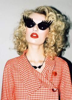 Long luscious sunglashes from Tatty Devine: eyelash sunglasses Ray Ban Sunglasses Sale, Sunglasses Online, Crazy Sunglasses, Sports Sunglasses, Funny Sunglasses, Retro Sunglasses, Black Sunglasses, Steam Punk, Lunette Style