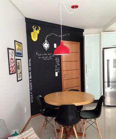 Galeria do Leitor - DIY (do it yourself/ faça você mesmo) Geladeira personalizada, Armário de copa reformado e personalizado, Decoração criativa para apartamento pequeno, Arara modelo criativo para o quarto.