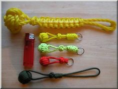 Monkey fist self defense keychain using Paracord and steel ball
