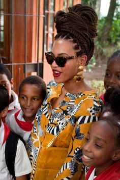 Beyonce And Jay-Z Cause Chaos As The Celebrate Their Wedding Anniversary In Cuba Box Braids Hairstyles, Box Braids Bun, Tree Braids, Kid Hairstyles, Dreadlock Hairstyles, Braid Hair, Beyonce Et Jay Z, Beyonce Style, Beyonce Knowles