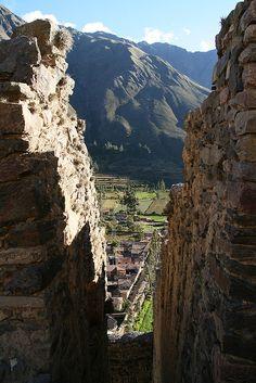 Ollantaytambo Ruins. BELLO LEGADO HISTÓRICO. PERÚ.