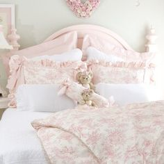 20 Grey and Pink Bedroom Decor Shabby Chic Romantic Shabby Chic Sofa, Shabby Chic Living Room, Shabby Chic Bedrooms, Shabby Chic Kitchen, Shabby Chic Homes, Shabby Chic Style, Shabby Chic Furniture, Shabby Chic Decor, Romantic Bedrooms