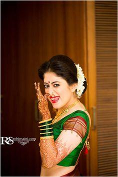 indian wedding bridal photoshoot ideas. naughty maharashtrian bride
