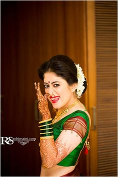indian wedding bridal photoshoot ideas. naughty maharashtrian bride