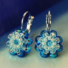 Free tutorial how to make these beautiful earrings from Swarovski Elements beads.