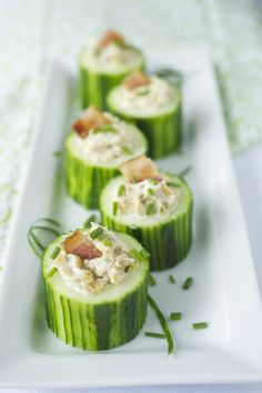 party appetizer: cucumber cups with creamy caramelized onion and bacon dip
