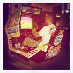 Playing Space Harrier Arcade in Canada (Niagara Falls) #arcade #canada #spaceharrier #classic #games