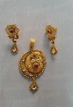 Gold Ring Designs, Gold Earrings Designs, Gold Jewellery Design, Gold Jewelry Simple, Trendy Jewelry, Gold Mangalsutra Designs, Schmuck Design, Pendants, Clothing
