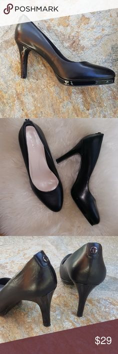 """Classic black leather pumps with platform Very nice style for any occasion Small platform for comfort and stability Patent leather heel Nice padded insole Real leather 3.5"""" heel with 1/2"""" platform in front Excellent condition!  By Tahari Size 6.5 Shoes Heels"""