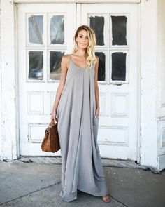Our best selling cocoon style maxi is back! The pocketed, adjustable strapped Olivian Maxi is a must for every fashionista's wardrobe. Simple Short Dresses, Casual Dresses, Summer Dresses, Maxi Dress With Sleeves, Short Sleeve Dresses, Chic Outfits, Fashion Outfits, Maternity Dresses, Summer Maternity